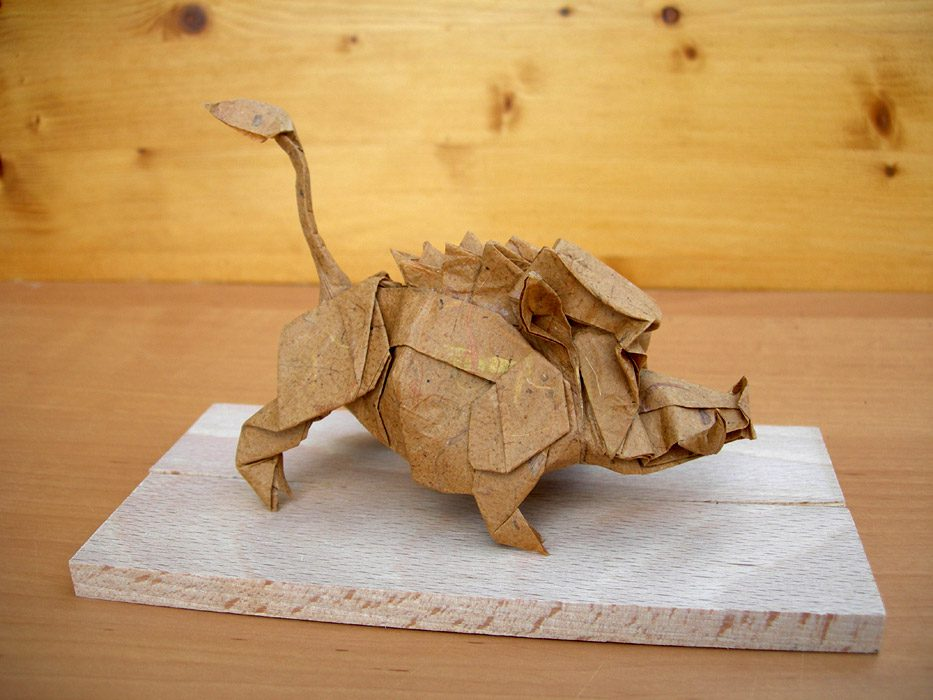Wild boar create and fold By Nicolas TERRY http://www.passion-origami.com